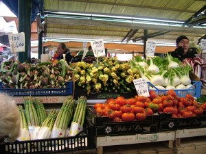 Vegetable market in Rialto by Cook In Venice