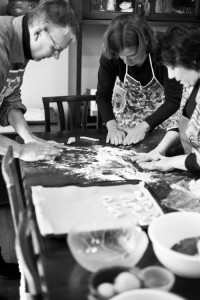 Making Esse Itlian cookies in a cooking class with Cook In Venice by Rocco Paladino